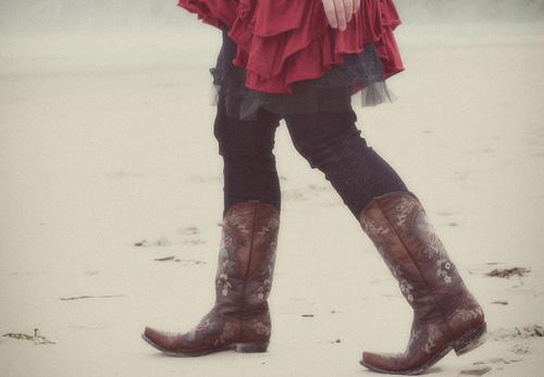boots walking dreamy