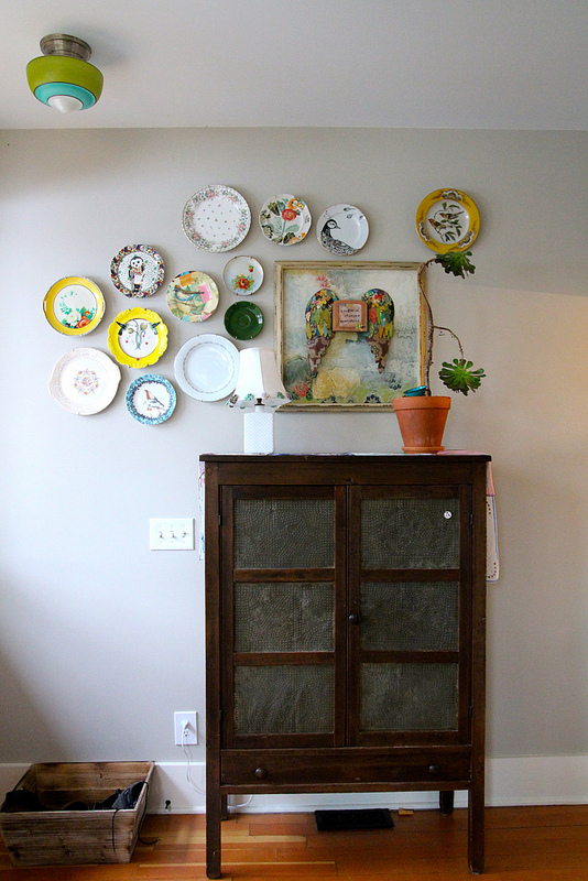 How cute is that: plate wall arrangement